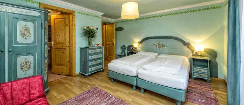 italy_dolomites_kronplatz_hotel-brunella_bedroom2.jpg